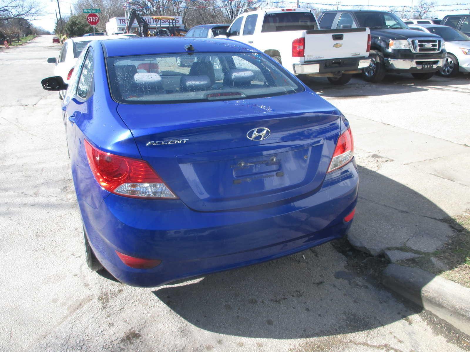 Hyundai Accent 2012 $3500.00 incacar.com