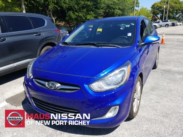 Hyundai Accent 2013 $7000.00 incacar.com