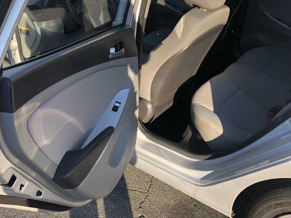Hyundai Accent 2014 $5800.00 incacar.com