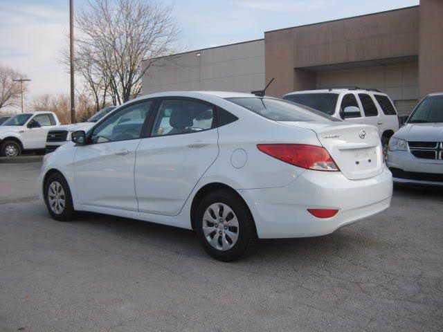 Hyundai Accent 2015 $5950.00 incacar.com