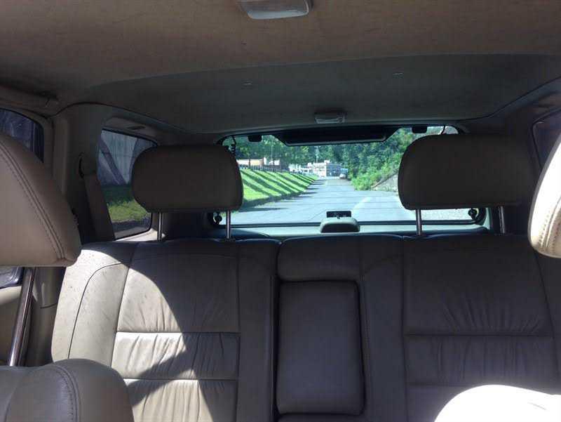 used Hyundai Elantra 2005 vin: KMHDN46D95U019940
