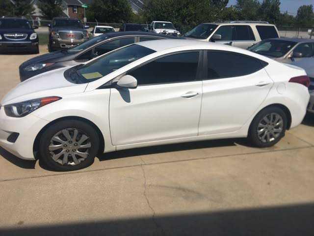 Hyundai Elantra 2012 $6995.00 incacar.com