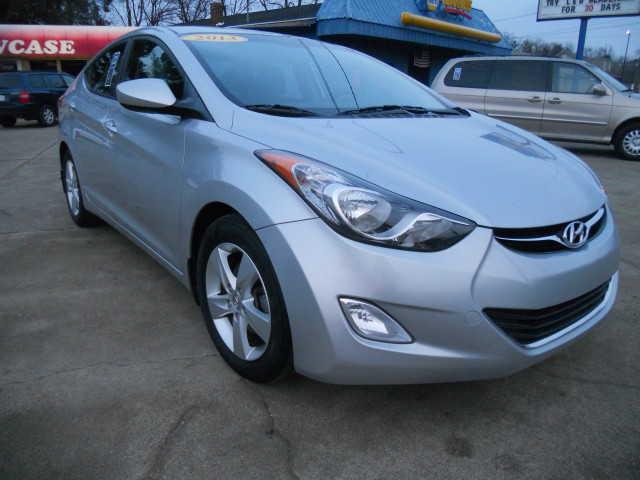 Hyundai Elantra 2013 $7995.00 incacar.com