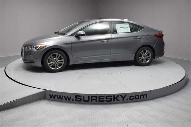 Hyundai Elantra 2018 $20555.00 incacar.com