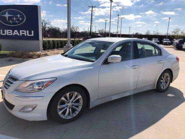 Hyundai Genesis 2013 $5500.00 incacar.com