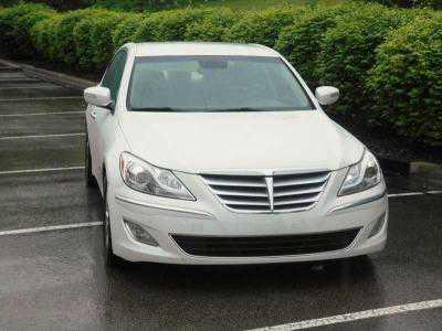 Hyundai Genesis 2013 $12890.00 incacar.com