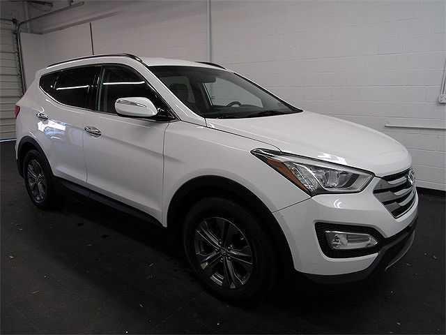 Hyundai Santa Fe 2014 $17990.00 incacar.com