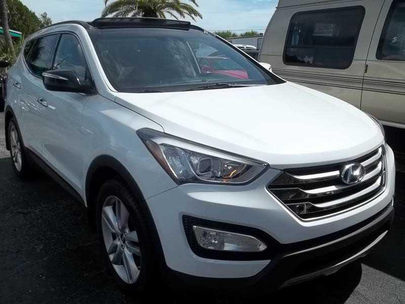 Hyundai Santa Fe 2015 $17995.00 incacar.com
