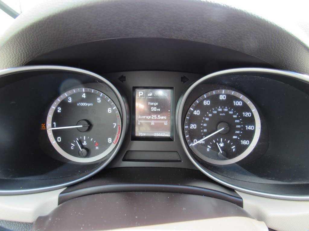 Hyundai Santa Fe 2018 $19995.00 incacar.com