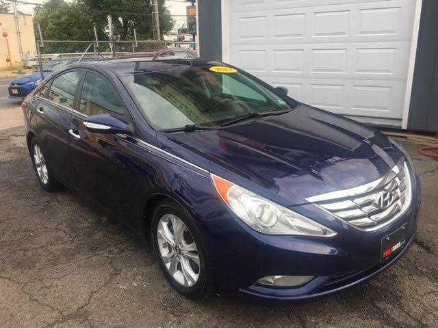 Hyundai Sonata 2011 $6750.00 incacar.com