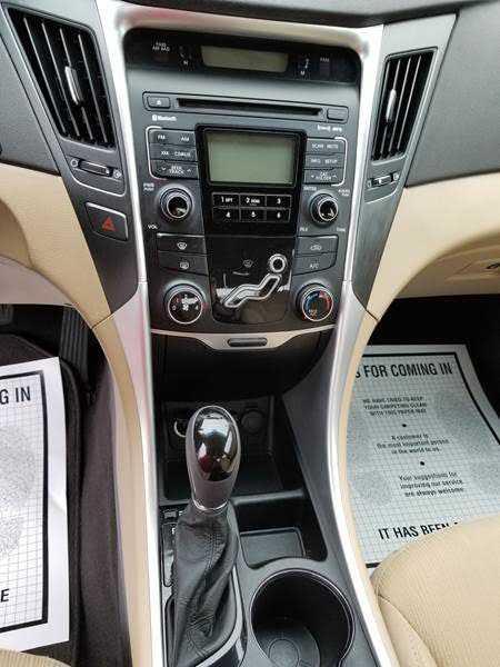 Hyundai Sonata 2011 $5995.00 incacar.com