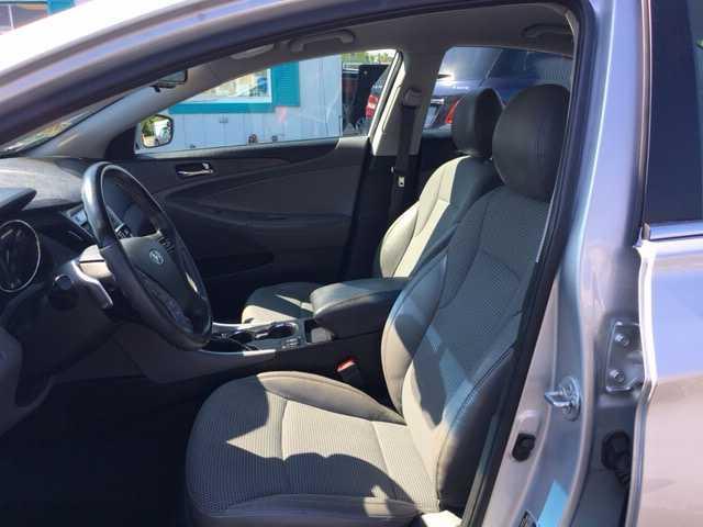 Hyundai Sonata 2013 $8490.00 incacar.com