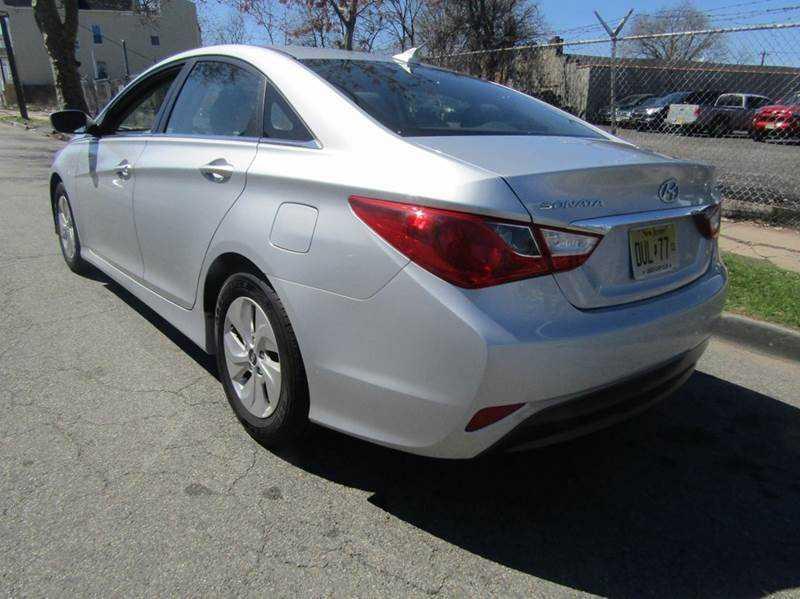 Hyundai Sonata 2014 $9995.00 incacar.com