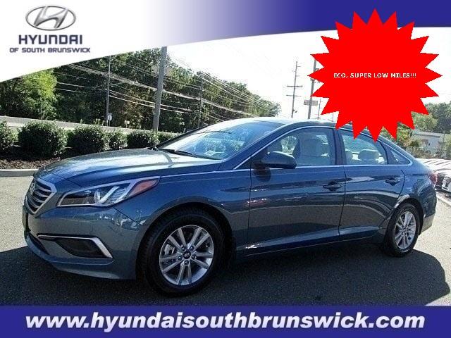 Hyundai Sonata 2017 $15995.00 incacar.com