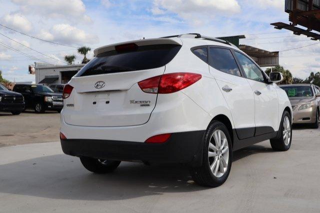 Hyundai Tucson 2013 $14000.00 incacar.com