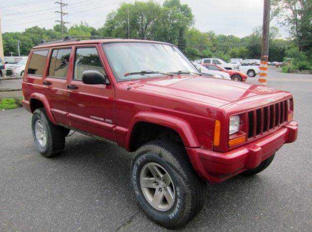Jeep Cherokee 1999 $1995.00 incacar.com