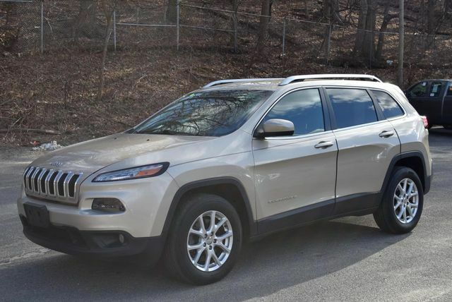 Jeep Cherokee 2014 $15695.00 incacar.com