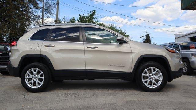 Jeep Cherokee 2014 $17500.00 incacar.com