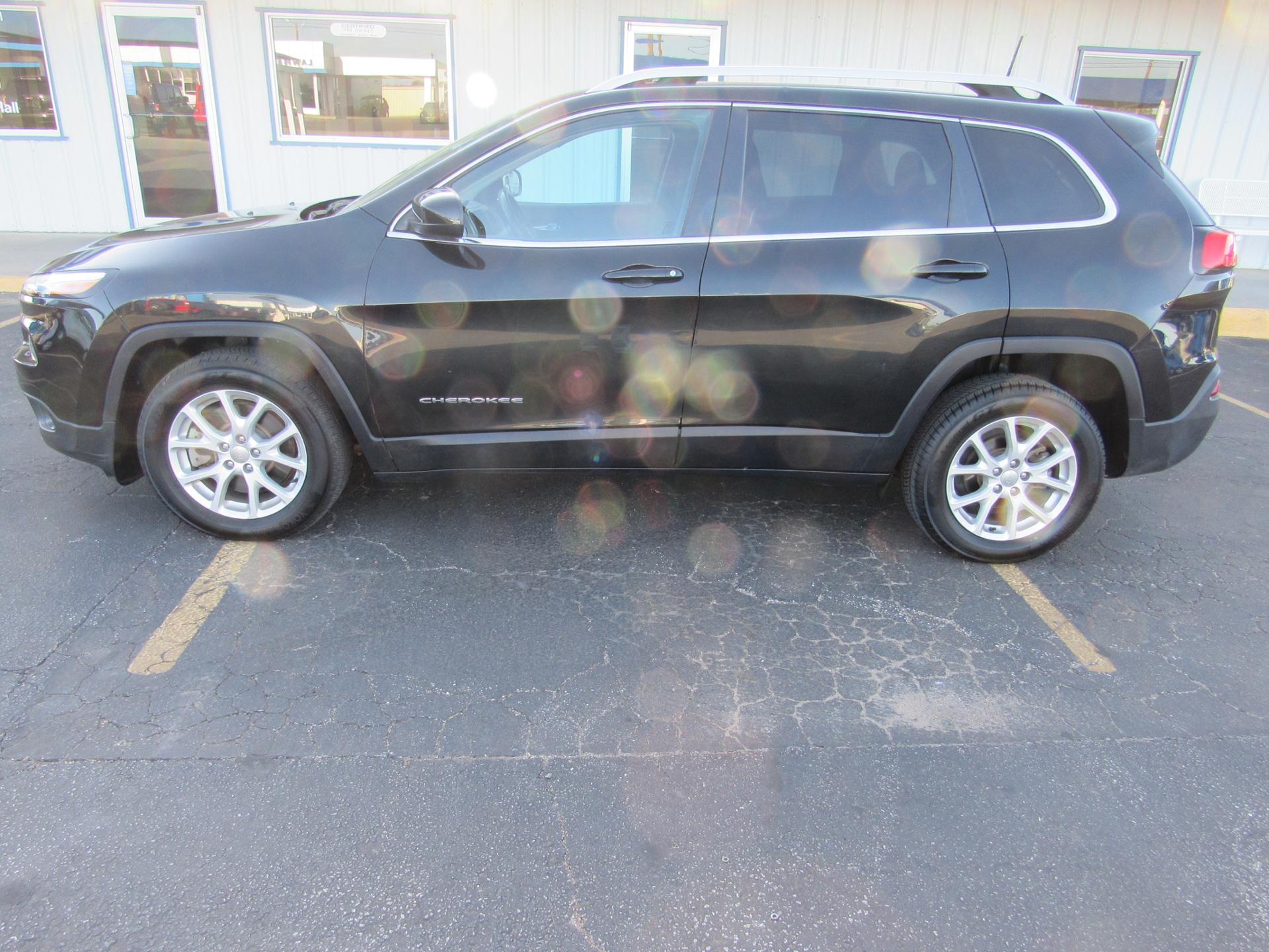 Jeep Cherokee 2016 $14900.00 incacar.com
