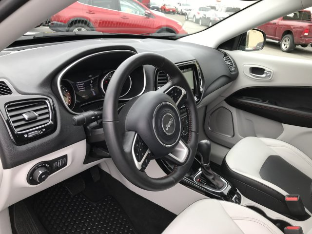 Jeep Compass 2018 $27000.00 incacar.com