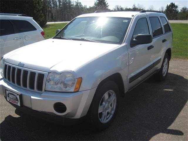 Jeep Grand Cherokee 2005 $6200.00 incacar.com