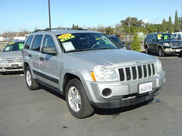 Jeep Grand Cherokee 2005 $7900.00 incacar.com