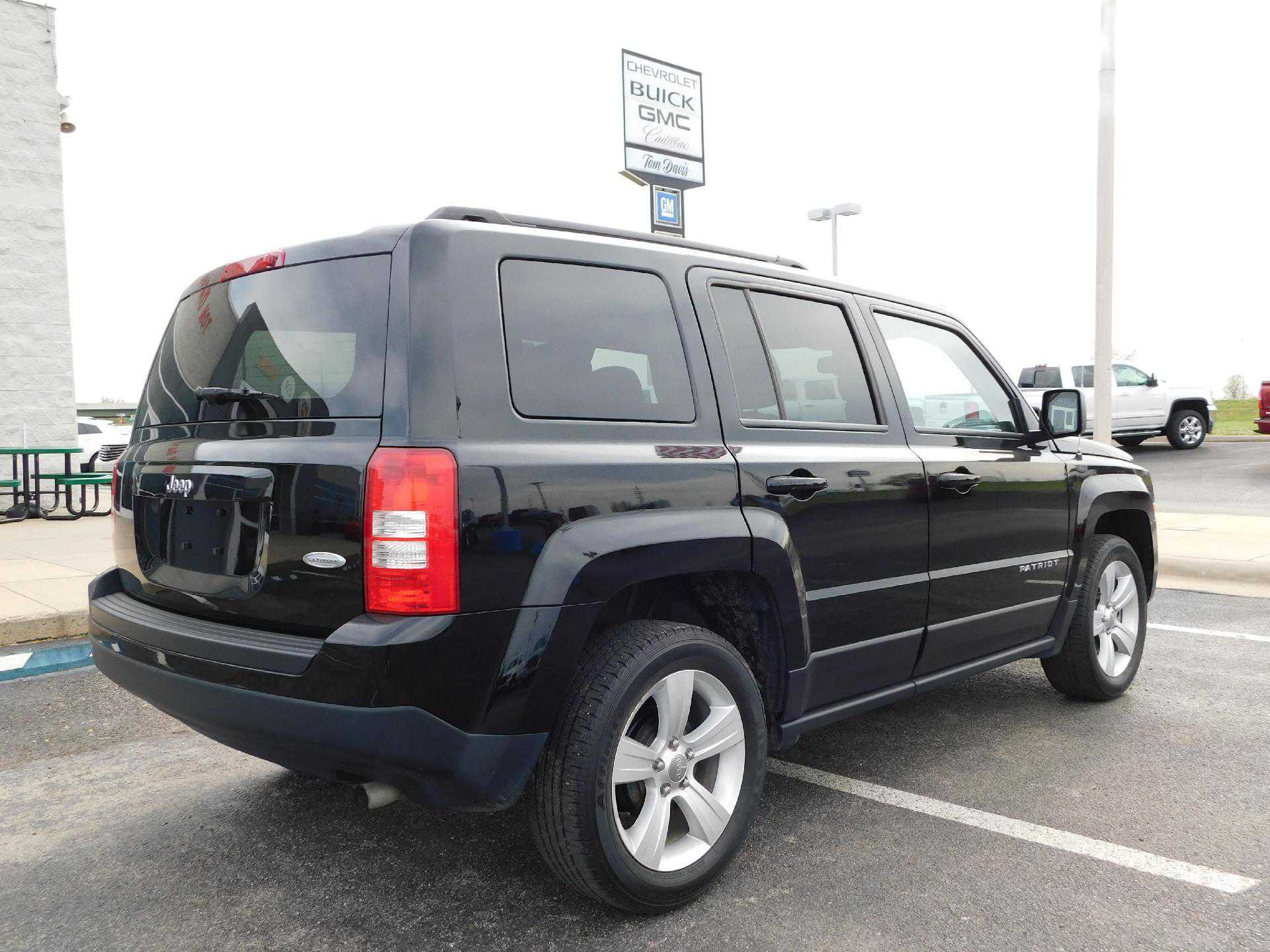 used Jeep Patriot 2016 vin: 1C4NJPFB1GD583847