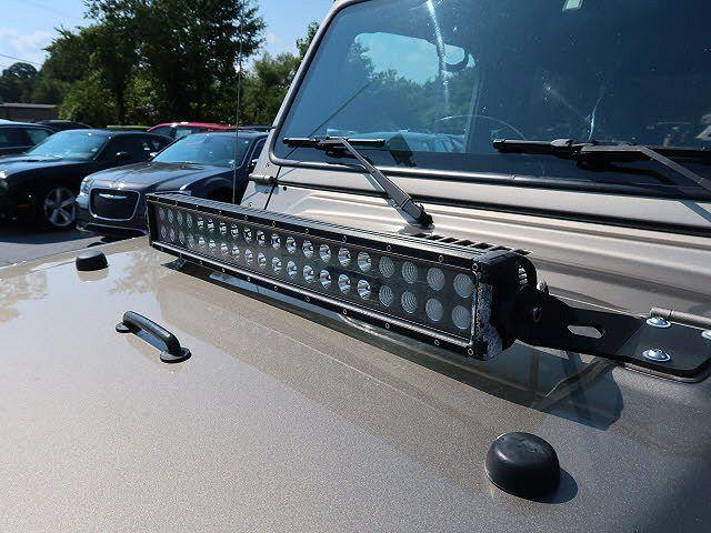 used Jeep Wrangler 2004 vin: 1J4FA39S24P758037