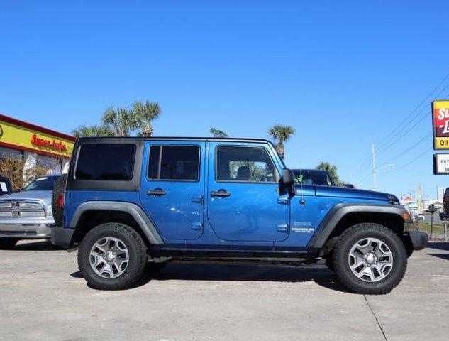 Jeep Wrangler 2010 $22000.00 incacar.com