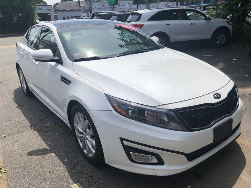 Kia Optima 2014 $14900.00 incacar.com
