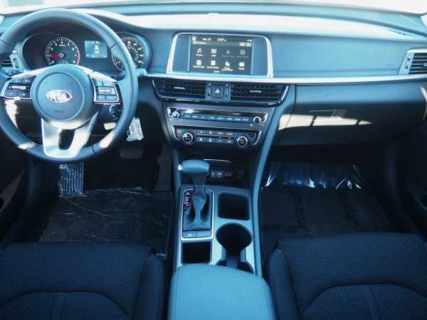 Kia Optima 2019 $23500.00 incacar.com