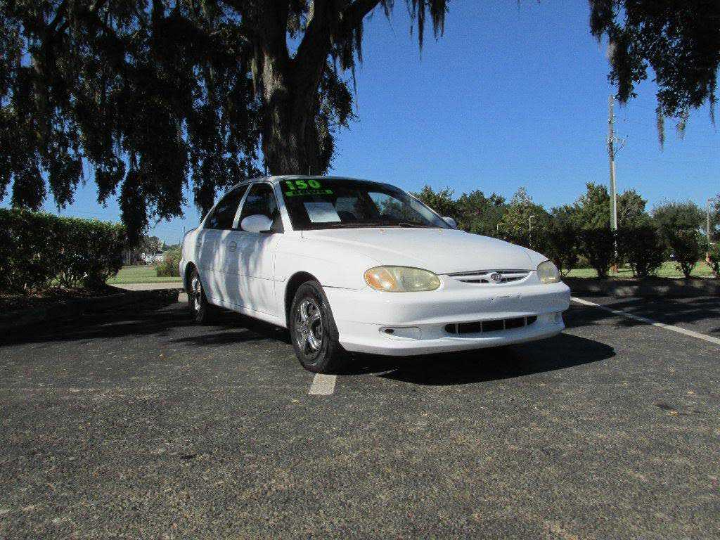 Kia Sephia 2000 $900.00 incacar.com