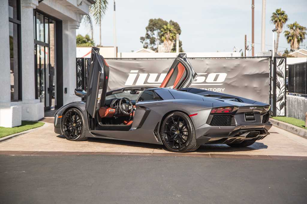 Lamborghini Aventador 2015 $359999.00 incacar.com