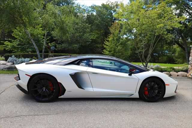 Lamborghini Aventador 2016 $324888.00 incacar.com
