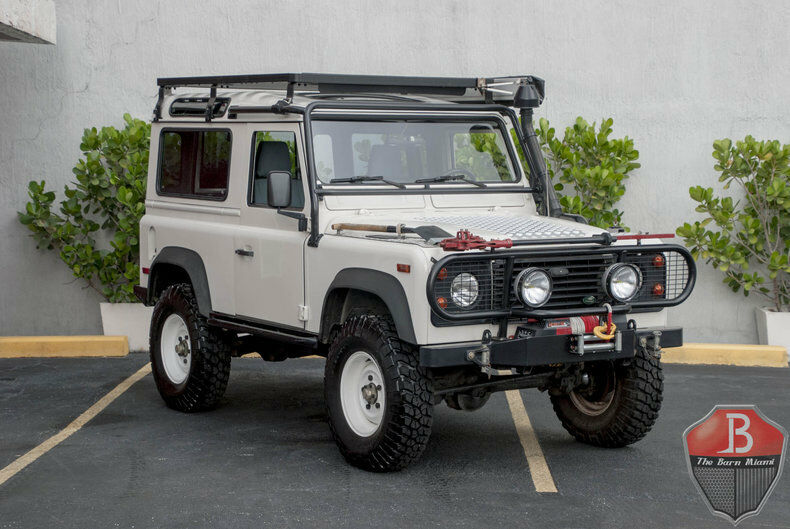 Land Rover Defender 1995 $84900.00 incacar.com