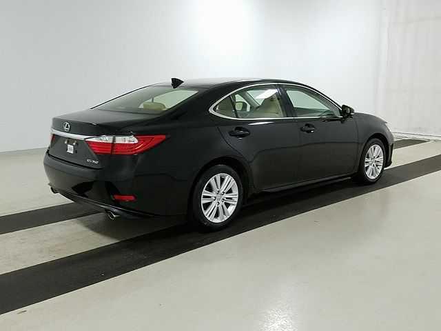 Lexus ES 2015 $23900.00 incacar.com