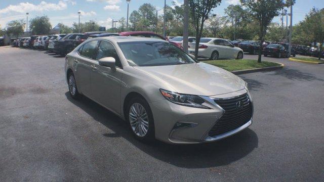 Lexus ES 2017 $31990.00 incacar.com