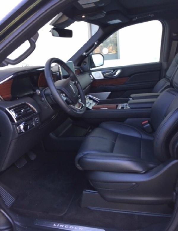 Lincoln Navigator 2018 $87995.00 incacar.com