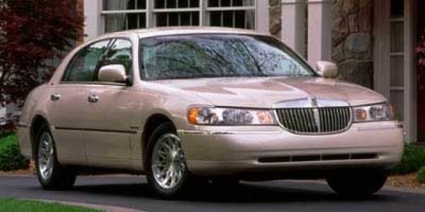Lincoln Town Car 1998 $4581.00 incacar.com