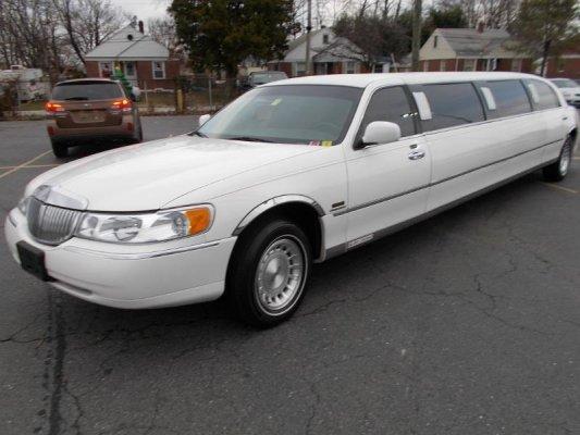 Lincoln Town Car 1999 $5990.00 incacar.com