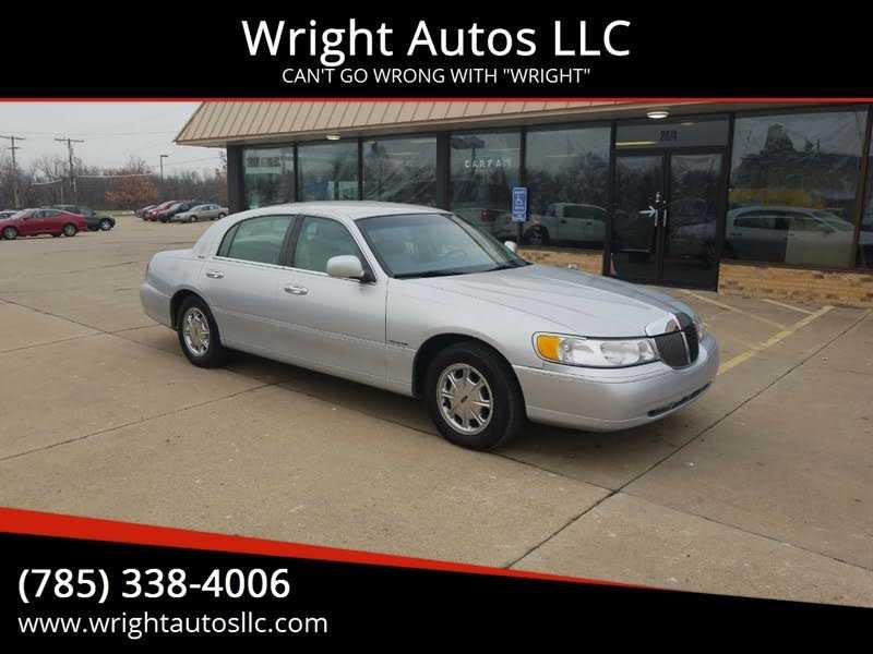 Lincoln Town Car 1999 $4995.00 incacar.com