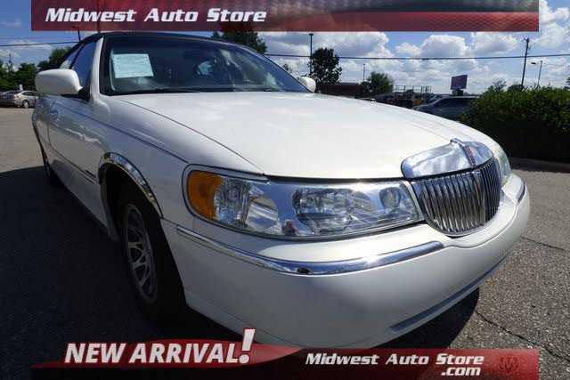 Lincoln Town Car 2002 $5991.00 incacar.com