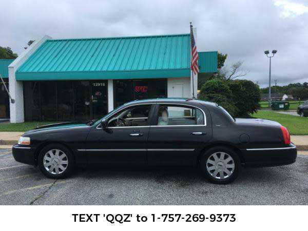 Lincoln Town Car 2003 $2895.00 incacar.com