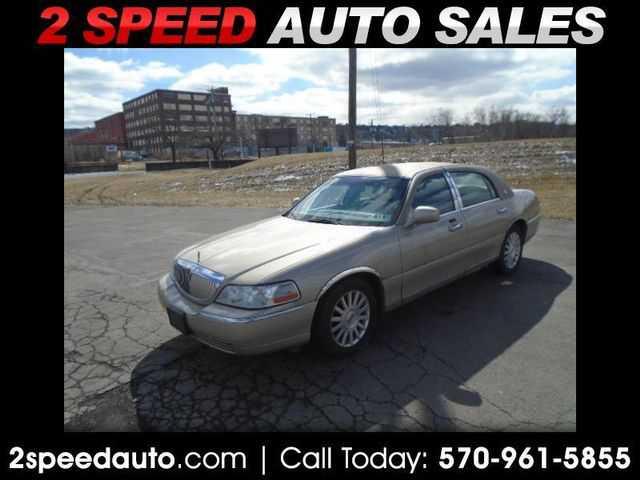 Lincoln Town Car 2004 $1500.00 incacar.com
