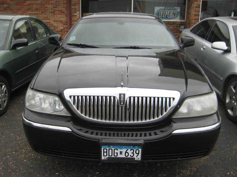 Lincoln Town Car 2004 $995.00 incacar.com
