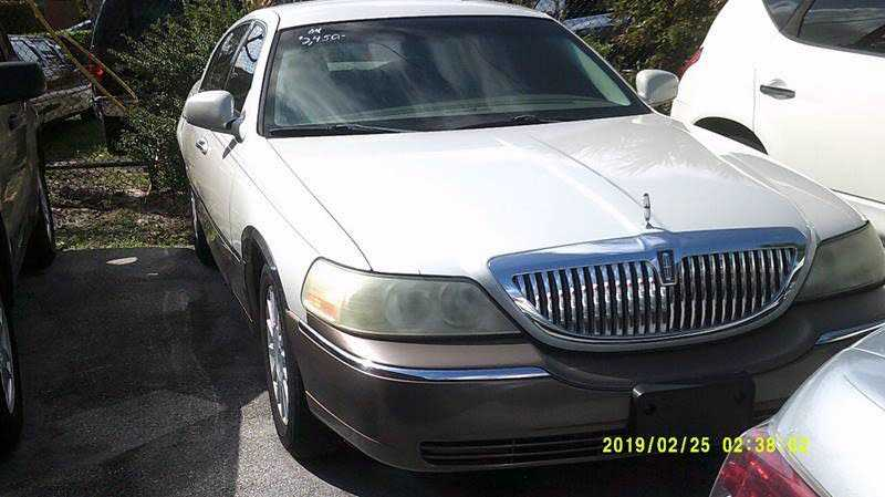 Lincoln Town Car 2004 $2450.00 incacar.com