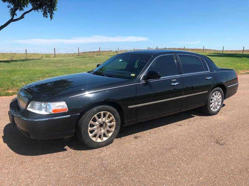Lincoln Town Car 2007 $2500.00 incacar.com