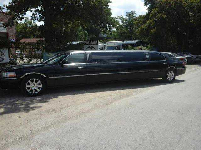Lincoln Town Car 2007 $8495.00 incacar.com