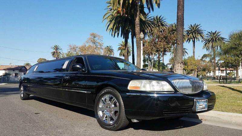Lincoln Town Car 2008 $14995.00 incacar.com