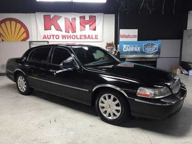 Lincoln Town Car 2010 $3550.00 incacar.com